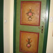Австрия-2009. Декоративная роспись гостиничной двери
